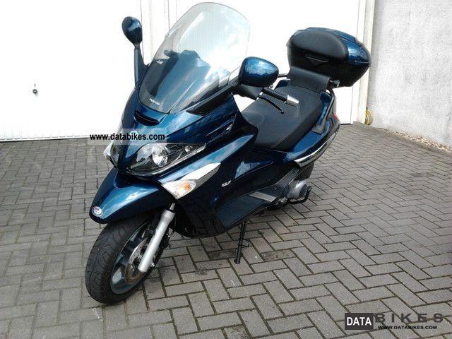 2010 Piaggio  X Evo 125 as new original topcase Motorcycle Scooter photo