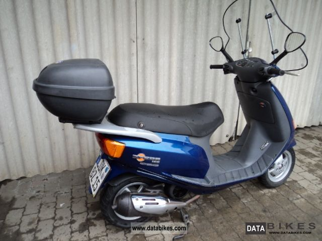 1995 piaggio vespa sfera 125 t v new 2 new michelin. Black Bedroom Furniture Sets. Home Design Ideas