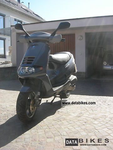 2000 piaggio skipper lx 125 gepfl vehicle garage for Garage scooter nice