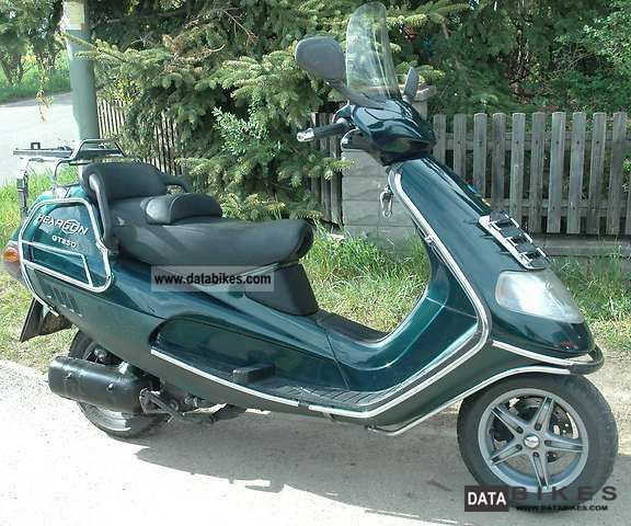 1999 Piaggio  Hexagon GT 250 Motorcycle Scooter photo