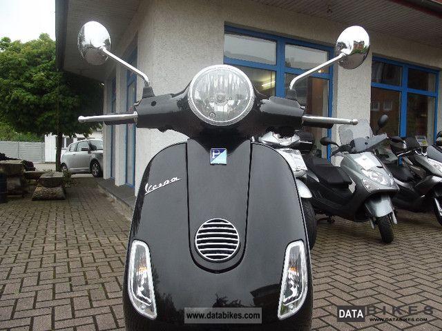 2011 Piaggio VESPA LX 50! LIKE NEW!