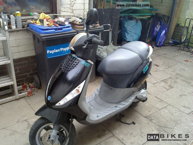 Piaggio  zip C 25 2000 Scooter photo
