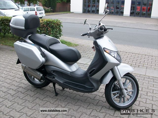 2002 Piaggio  Beverly 125 GT Motorcycle Scooter photo