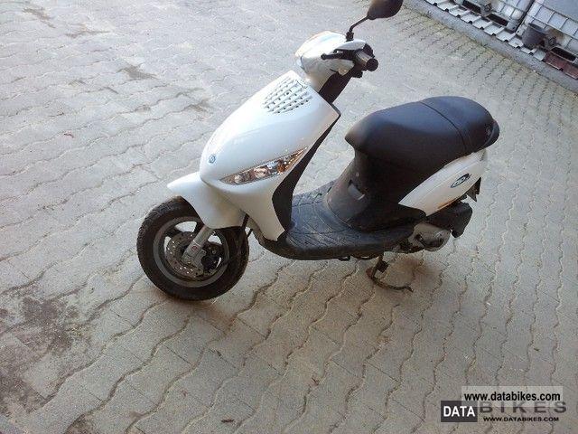 Piaggio  zip 2011 Scooter photo