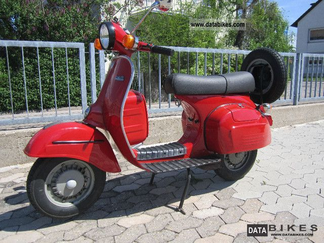 1994 Piaggio  Bajaj Chetak 150 Motorcycle Scooter photo