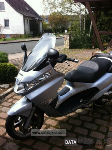 2006 Piaggio  X8 400 Motorcycle Scooter photo