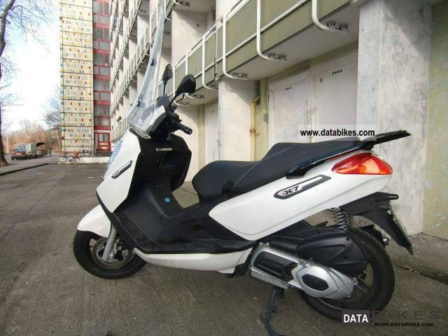 2010 Piaggio  x7 he Motorcycle Scooter photo