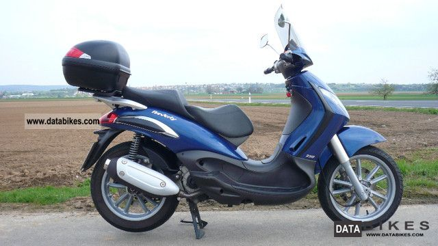 2006 Piaggio  Beverly 250 Motorcycle Scooter photo