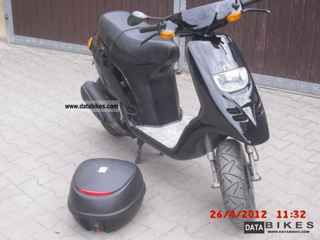 1997 Piaggio  125 tph Motorcycle Scooter photo