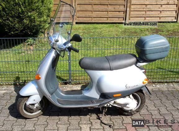 Piaggio  Vespa ET2 2004 Scooter photo