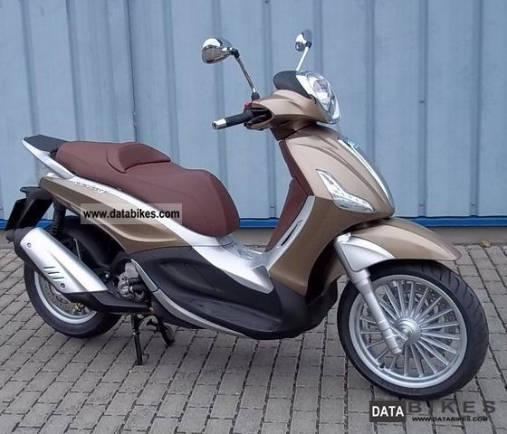 2011 Piaggio  Beverly 300 Motorcycle Scooter photo