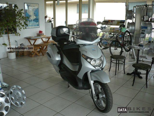 2005 Piaggio  Beverly 125 GT HU / AU new Motorcycle Scooter photo