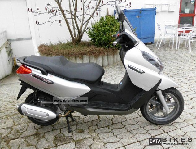 2010 Piaggio  X 7125 Motorcycle Scooter photo