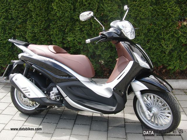 2010 Piaggio  300 Beverly i.e. Motorcycle Scooter photo