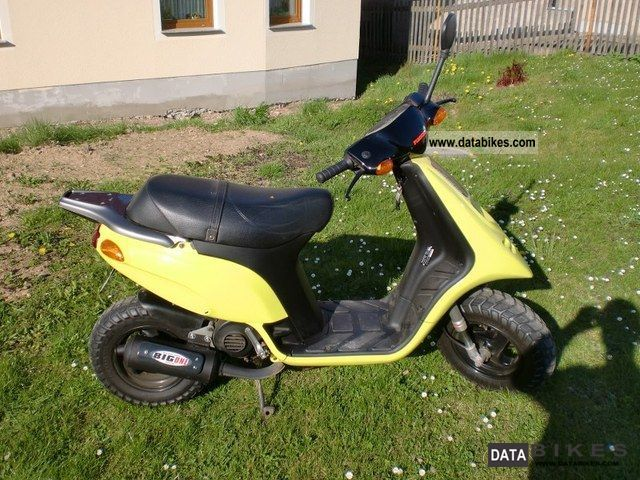 1994 Piaggio  TPH 50 Motorcycle Motor-assisted Bicycle/Small Moped photo