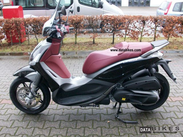 2011 Piaggio  Beverly 350 Motorcycle Scooter photo