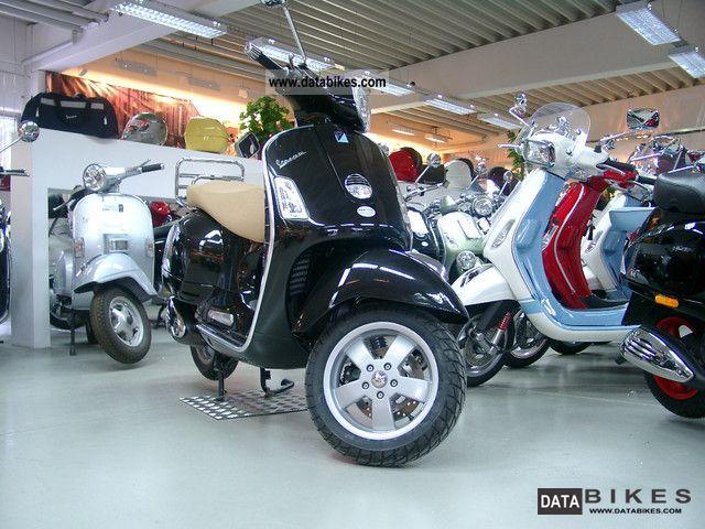 2011 Piaggio  Vespa GTS 250 ABS Black Motorcycle Scooter photo