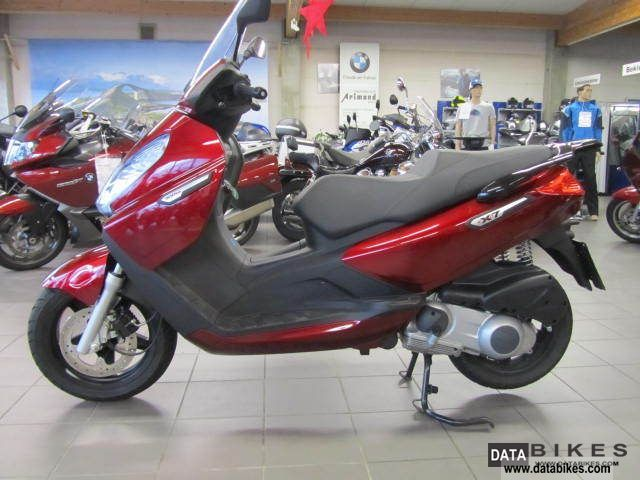 2009 Piaggio  x7 Evo 300 Motorcycle Scooter photo