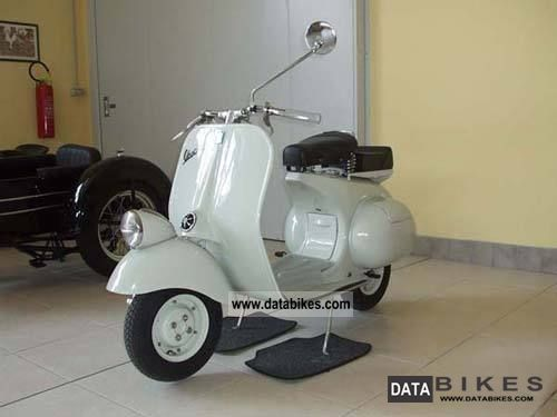 1954 Piaggio  Vespa 125 Faro Basso Motorcycle Lightweight Motorcycle/Motorbike photo