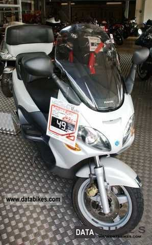 2001 Piaggio  X9 250cc Motorcycle Scooter photo