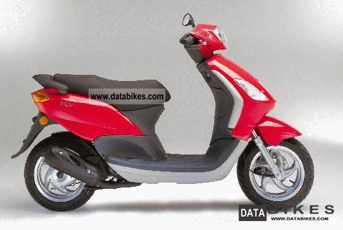 2004 Piaggio  50 fly Motorcycle Scooter photo