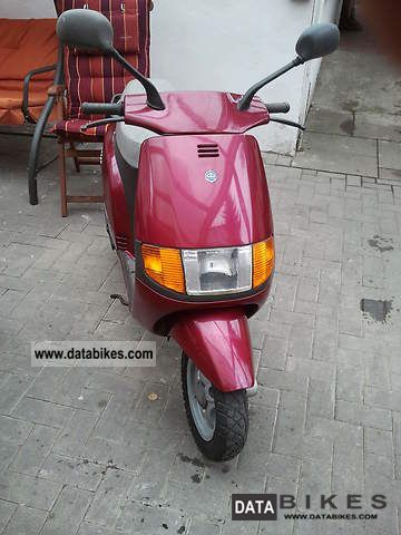 1993 Piaggio  Sfera Motorcycle Lightweight Motorcycle/Motorbike photo