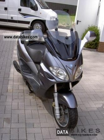 2005 Piaggio  X9 Motorcycle Scooter photo