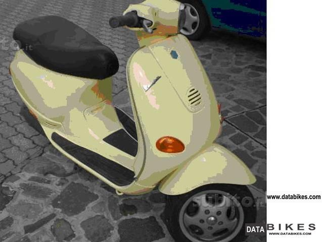 1997 Piaggio  Bellissima Vespa ET2 Motorcycle Scooter photo