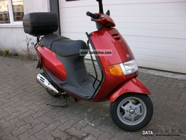 1996 Piaggio  Sverra 125 4-stroke trunk / windshield Motorcycle Scooter photo
