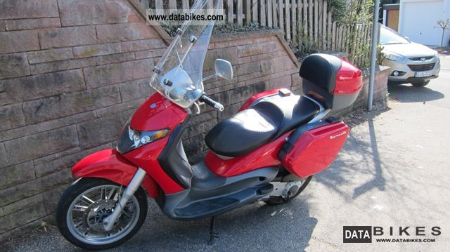 2003 Piaggio  Beverly 200 Motorcycle Scooter photo