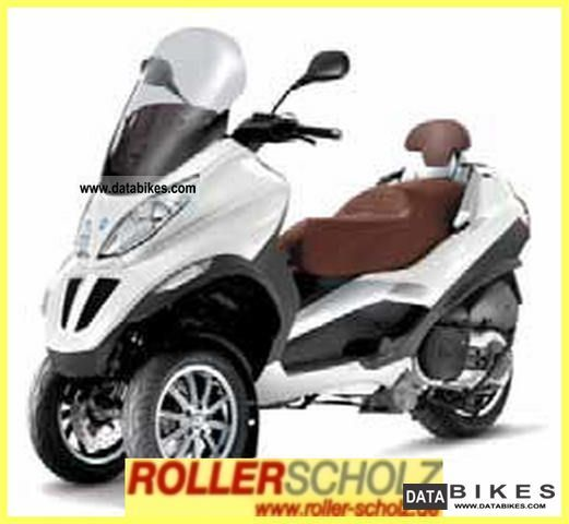 2011 Piaggio  500 MP3 i.e. LT current model car business Motorcycle Scooter photo