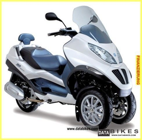2011 piaggio mp3 125 rl i e hybrid world first. Black Bedroom Furniture Sets. Home Design Ideas