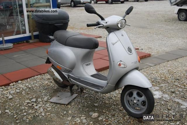 2004 Piaggio  Vespa Motorcycle Scooter photo