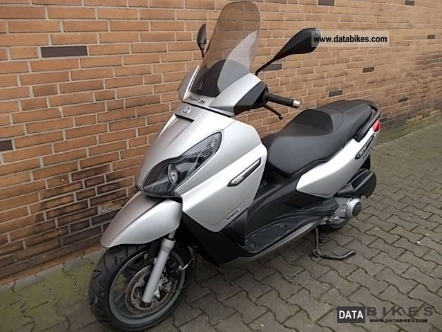 2008 Piaggio  x 7 (1 HAND - ORIGINAL 8476 KM) Motorcycle Scooter photo