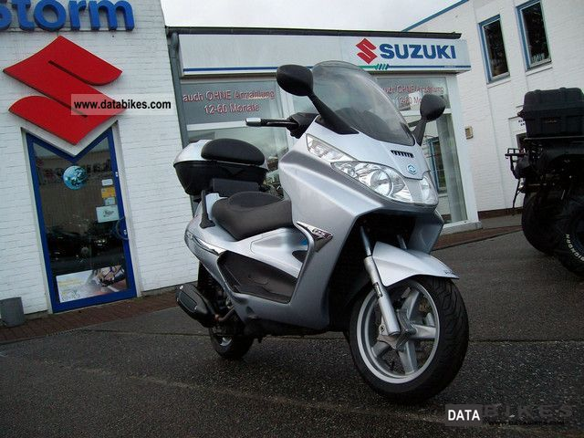 2007 Piaggio  X8 X-8125 Motorcycle Scooter photo