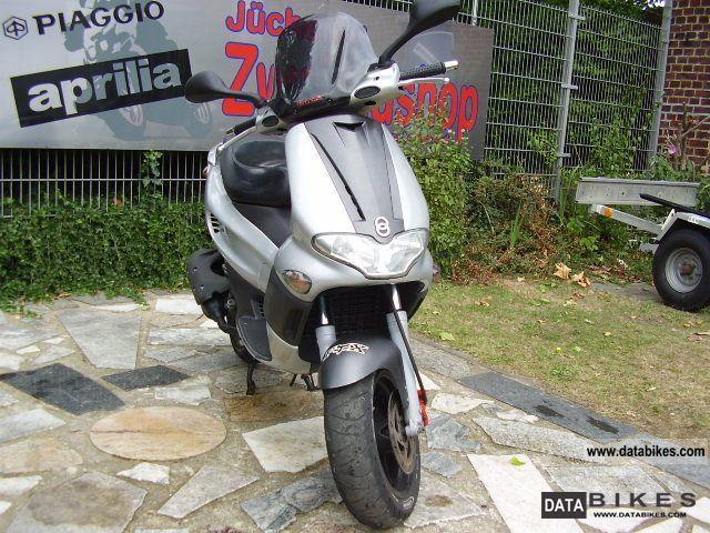 2002 Piaggio  RUNNER 125 4/2002 T FL Motorcycle Motorcycle photo