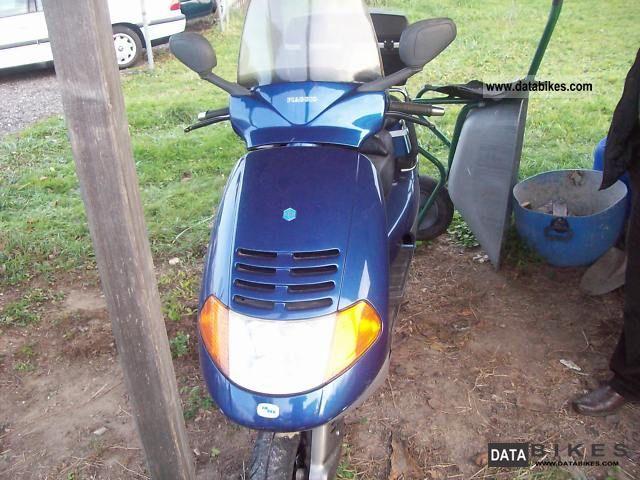 1998 Piaggio  Vespa Motorcycle Scooter photo