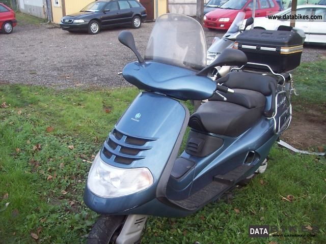 1999 Piaggio  Vespa Motorcycle Scooter photo