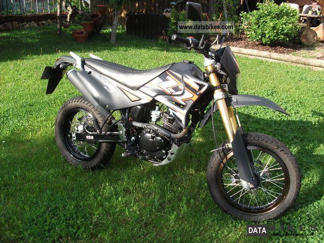 Sachs  ZZ125 2010 Lightweight Motorcycle/Motorbike photo
