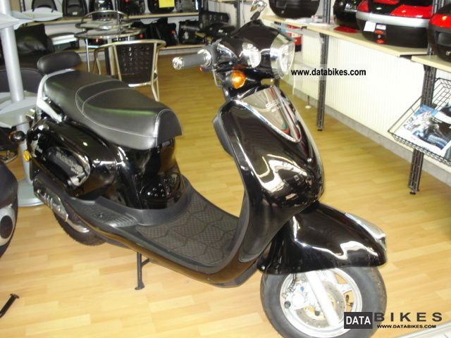scooter vehicles with pictures page 198. Black Bedroom Furniture Sets. Home Design Ideas