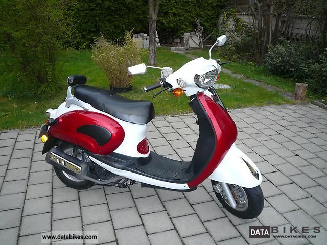 2007 Sachs  125 Bee Motorcycle Scooter photo