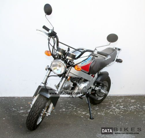 2011 skyteam pbr st50 moped 45 km h 50cc scooter new. Black Bedroom Furniture Sets. Home Design Ideas