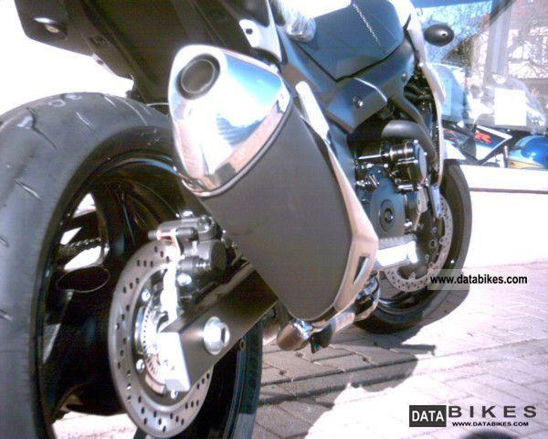 2011 Suzuki  GSR 750 AL2 Incl. 600, - EUR Suzuki Accessories Motorcycle Naked Bike photo