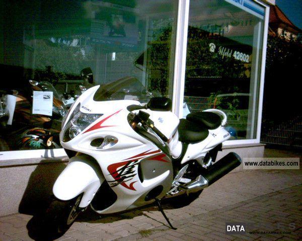 Suzuki  Hayabusa GSX1300R L2 2011 Sports/Super Sports Bike photo