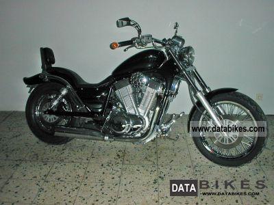 1993 Suzuki  VS 1400 Intruder Motorcycle Chopper/Cruiser photo