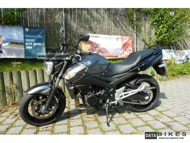 2011 Suzuki  GSR 600 with ABS and Accessories Motorcycle Sport Touring Motorcycles photo