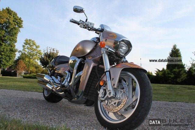 2006 Suzuki  1800 Intruder Boulevard Motorcycle Chopper/Cruiser photo