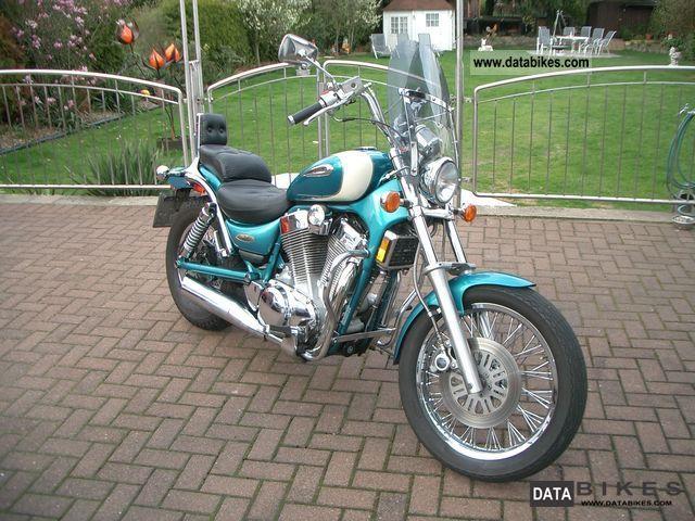 1996 Suzuki  VS 1400 Intruder Motorcycle Chopper/Cruiser photo