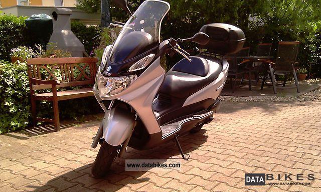 2004 Suzuki  Burgman 125 Motorcycle Scooter photo