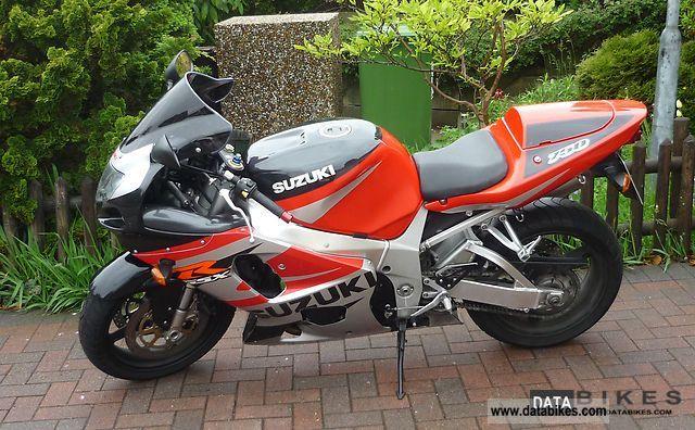 2002 Suzuki  GSX-R 750 Motorcycle Sports/Super Sports Bike photo